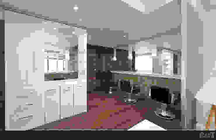 LAURA CALZADA SALÓN Espacios comerciales de estilo moderno de GRH Interiores Moderno Derivados de madera Transparente