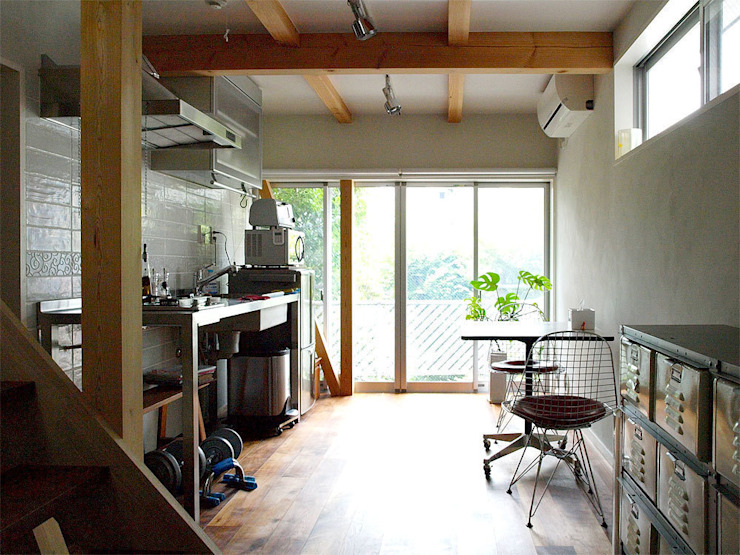 Industrial style dining room by 志田建築設計事務所 Industrial