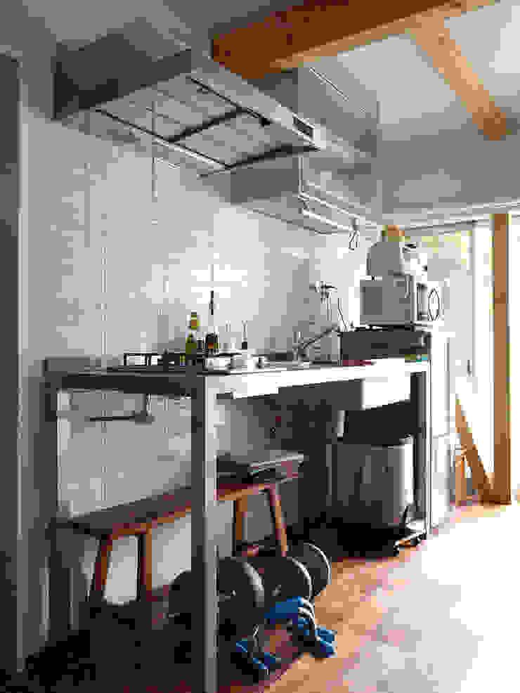 【LWH002】ダイニングキッチン インダストリアルデザインの キッチン の 志田建築設計事務所 インダストリアル