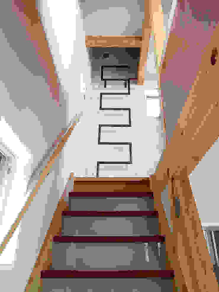 【LWH002】階段 インダストリアルな 玄関&廊下&階段 の 志田建築設計事務所 インダストリアル