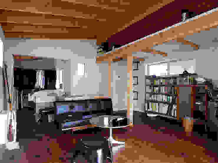 인더스트리얼 거실 by 志田建築設計事務所 인더스트리얼