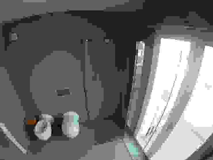 Piatti box doccia su misura di SILVERPLAT Moderno