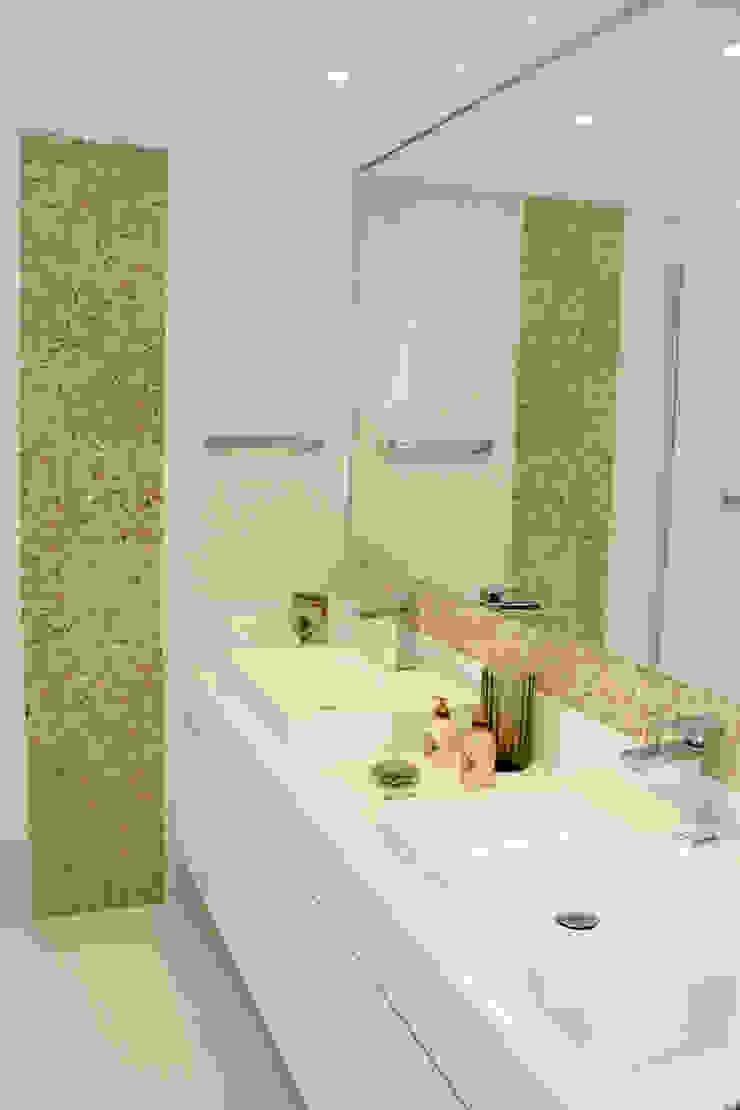 banheiro Baños modernos de 2d arquitetura Moderno