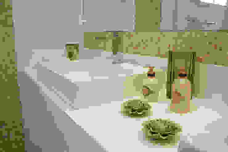 detalhe da bancada Baños modernos de 2d arquitetura Moderno