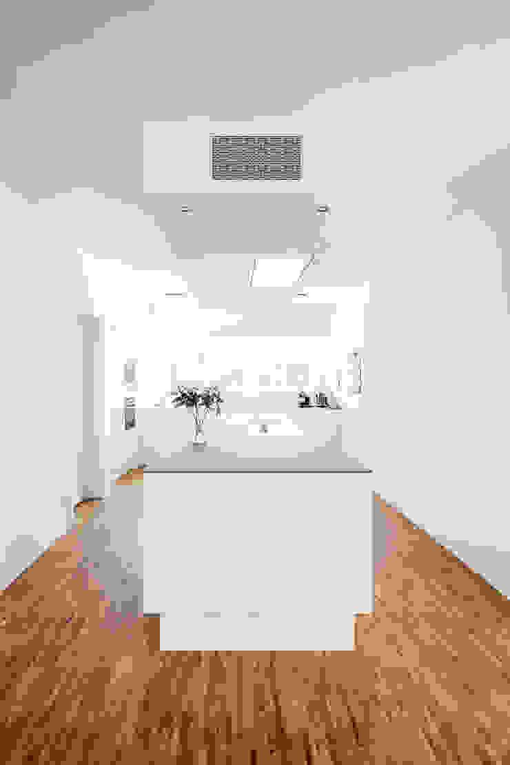 Corneille Uedingslohmann Architekten Cocinas de estilo moderno