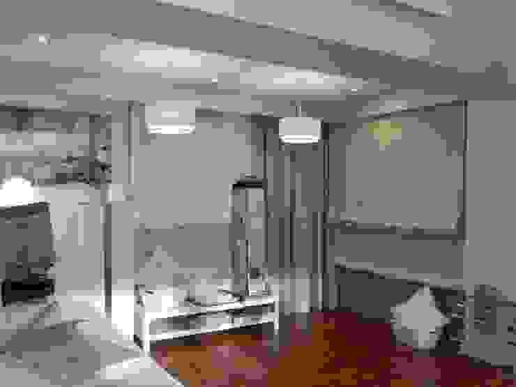 Estores Paquetto Las Rozas Oficinas y tiendas de estilo moderno de Luxaflex Concept Store Moderno