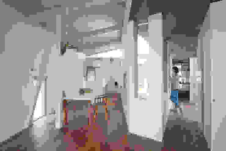 水野建築事務所 Salones de estilo moderno