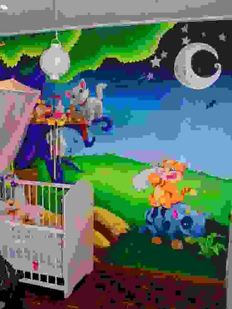 Nursery Wall Murals de Banner Buzz Moderno
