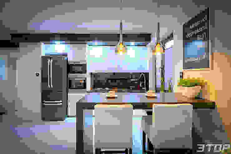 Meble na wymiar – zabudowa kuchni w mieszkaniu od 3TOP Nowoczesny