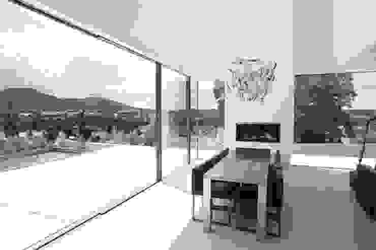 Modern dining room by ofenmanufaktur. meisterbetrieb Modern