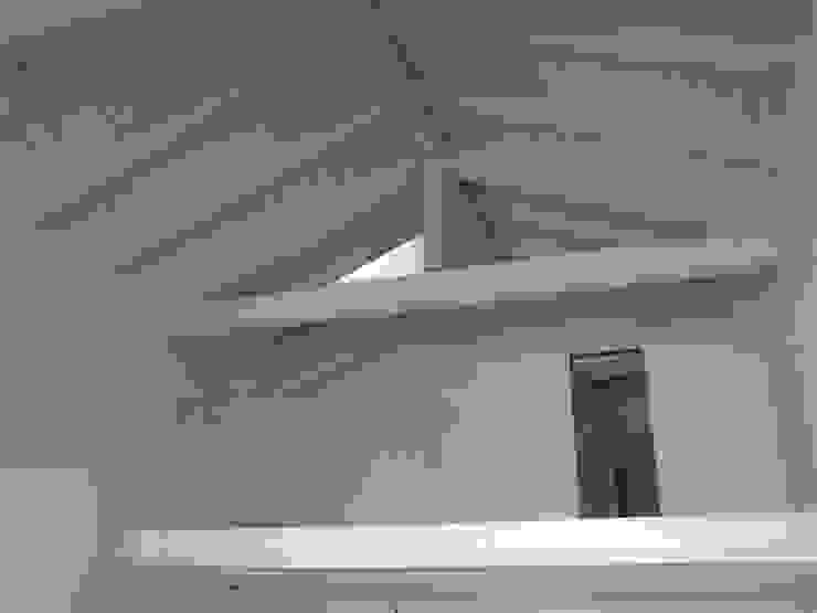 Dormitorios modernos de VENETA TETTI Moderno