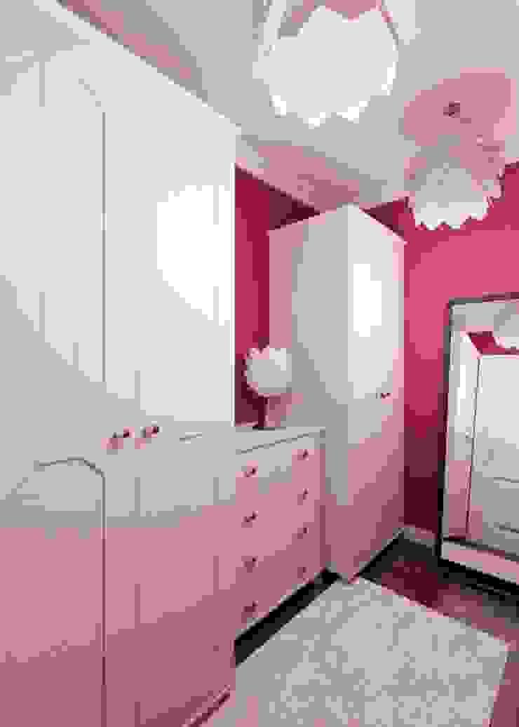 2-х комнатная квартира 81.17m² Детская комната в колониальном стиле от PLANiUM Колониальный