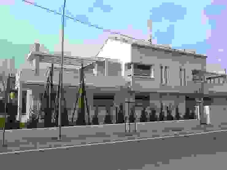 VENETA TETTI Moderner Balkon, Veranda & Terrasse
