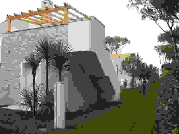 VENETA TETTI Klassischer Balkon, Veranda & Terrasse