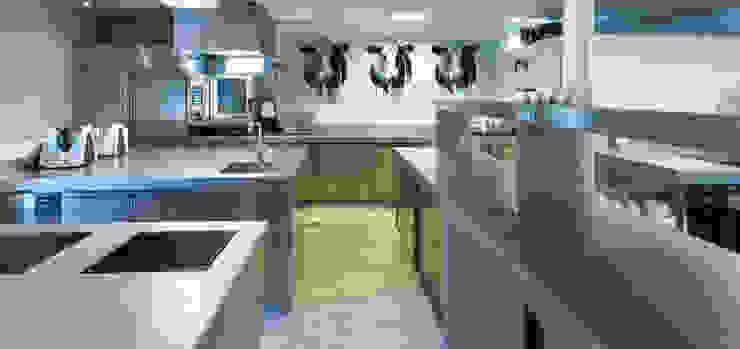 Koeien in de keuken van restaurant Vandeijck Moderne gastronomie van PimpYourKitchen Modern