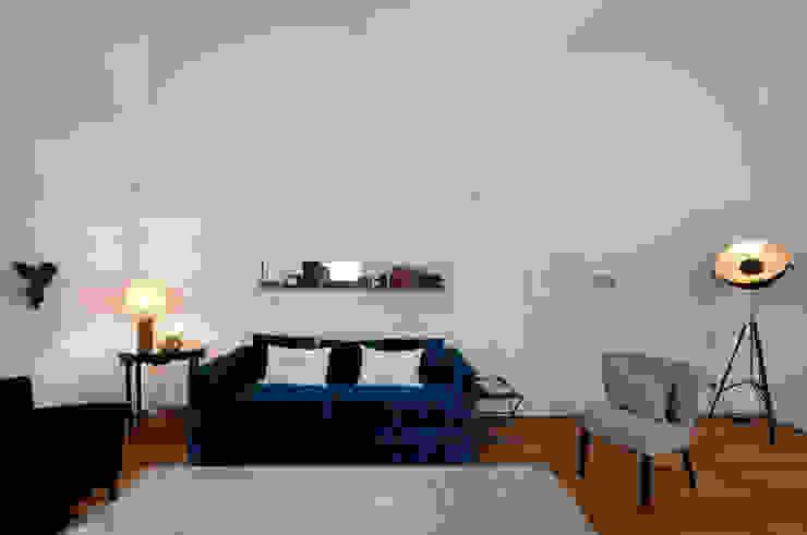 sala Salas de estar ecléticas por Staging Factory Eclético