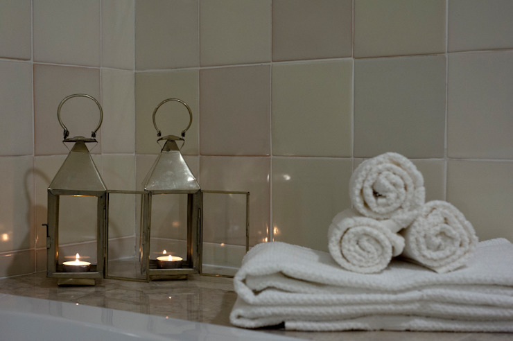 Casa de banho:   por Home Staging Factory,Moderno