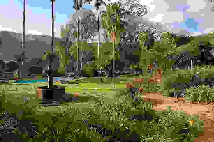 Laura Mourão Arquitetura da Paisagem Jardines de estilo tropical