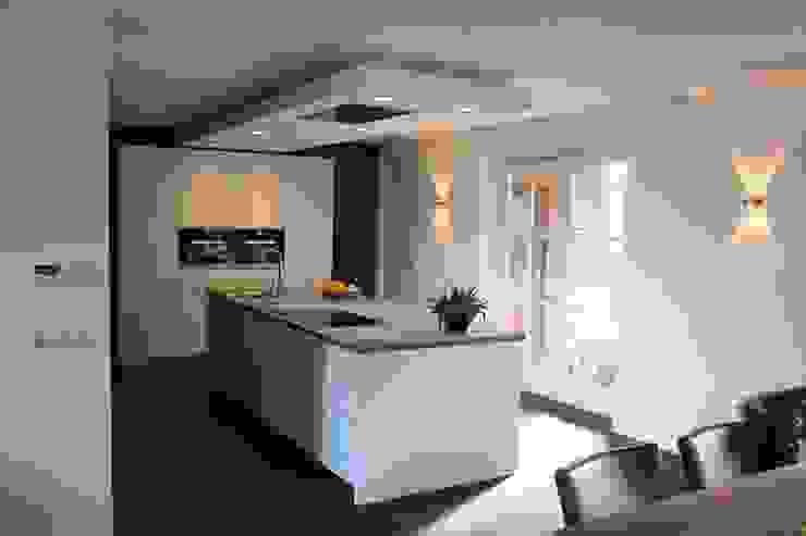 Modern kookeiland Moderne keukens van Tinnemans Keukens Modern