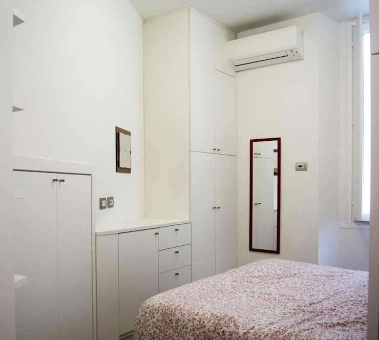 Minimalist bedroom by Studio di architettura Miletta Minimalist
