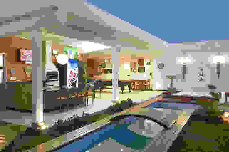 Casa Belvedere Piscinas modernas por Andrea Ker Bacha Design LTDA Moderno