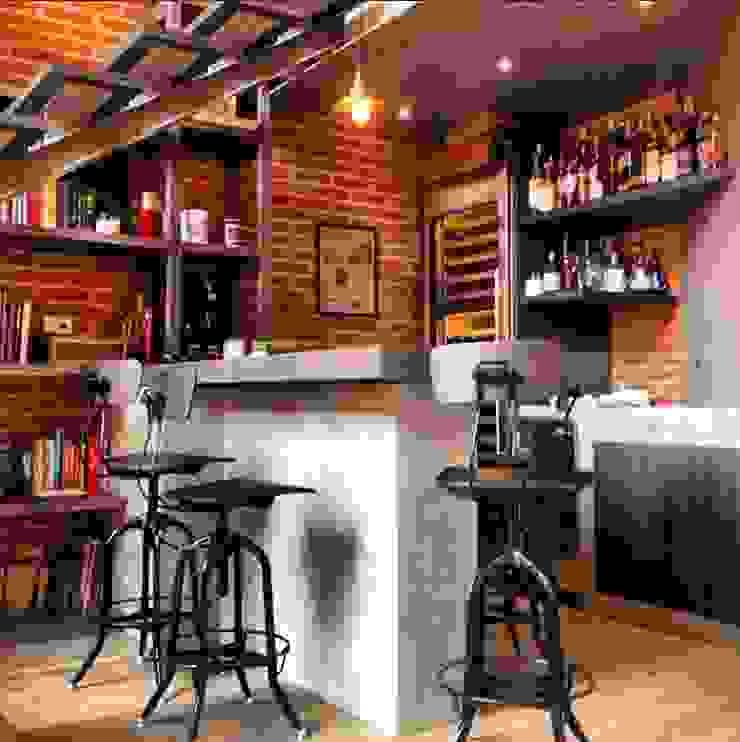 Barra y Bar Salones modernos de Quinto Distrito Arquitectura Moderno Ladrillos