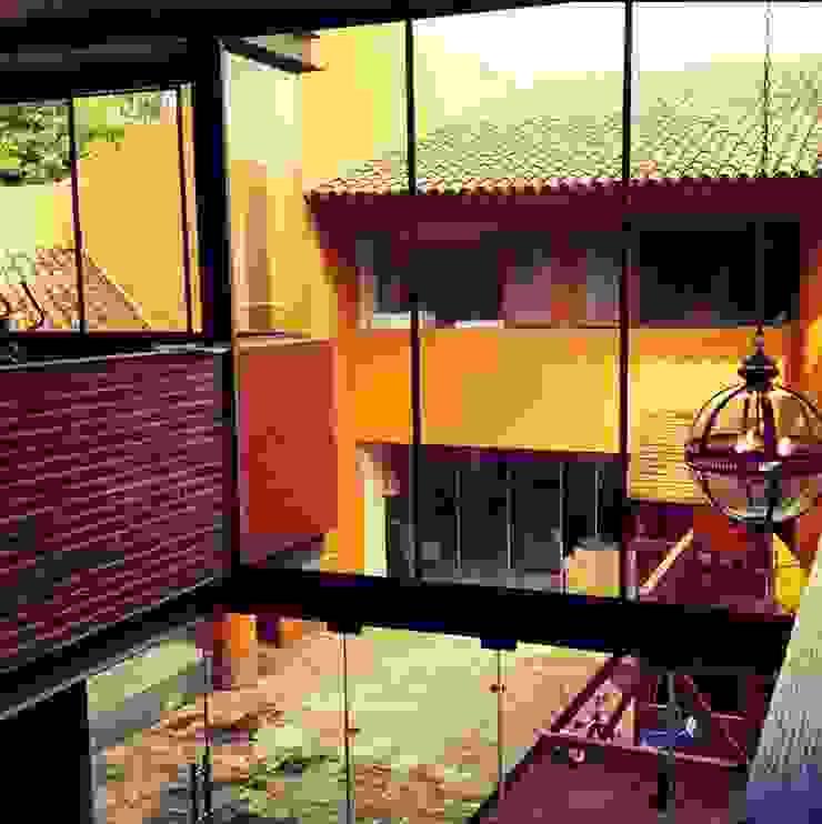Biblioteca Higueras Salones modernos de Quinto Distrito Arquitectura Moderno Ladrillos