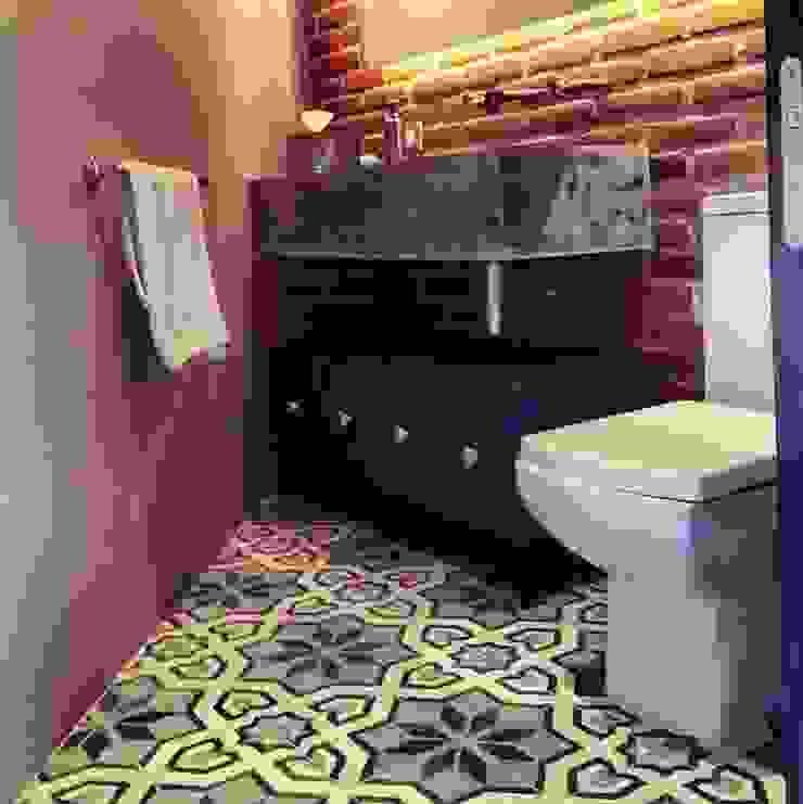 Baño Baños modernos de Quinto Distrito Arquitectura Moderno Azulejos