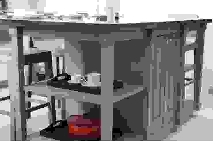 Isla de cocina Cocinas modernas de Quinto Distrito Arquitectura Moderno Madera Acabado en madera