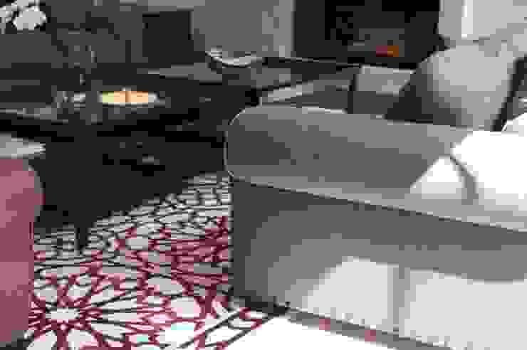 Sala principal Salones modernos de Quinto Distrito Arquitectura Moderno Textil Ámbar/Dorado