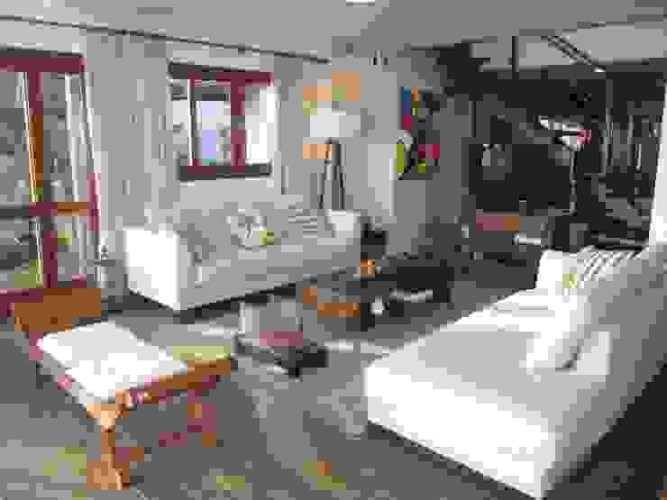 Casa de praia Salas de estar rústicas por Espaço do Traço arquitetura Rústico