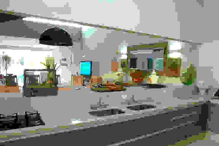 Espaço de lazer Varandas, alpendres e terraços rústicos por Gabriela Pereira Rústico