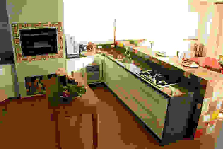 ラスティックデザインの キッチン の Espaço do Traço arquitetura ラスティック