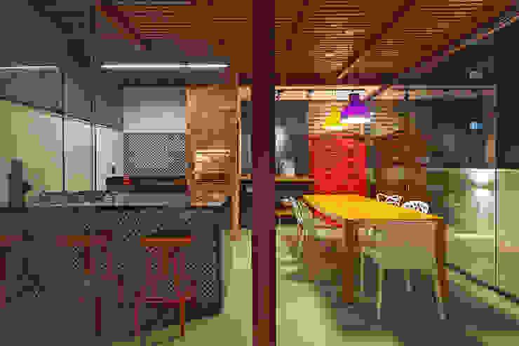 Terrace by Amis Arquitetura e Decoração, Eclectic