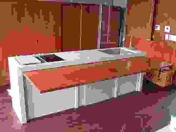 . インダストリアルデザインの キッチン の 有限会社 アルケ・スナン建築研究所 インダストリアル