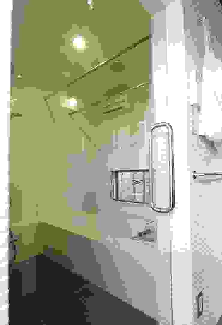 築40年の浴室がホテルライクのバスルームに オリジナルスタイルの お風呂 の Style is Still Living ,inc. オリジナル
