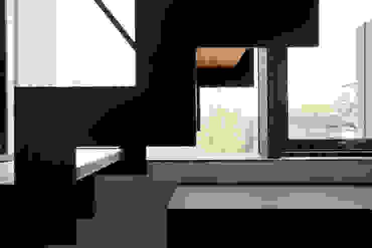 オープン階段 モダンスタイルの 玄関&廊下&階段 の 一級建築士事務所 Atelier Casa モダン