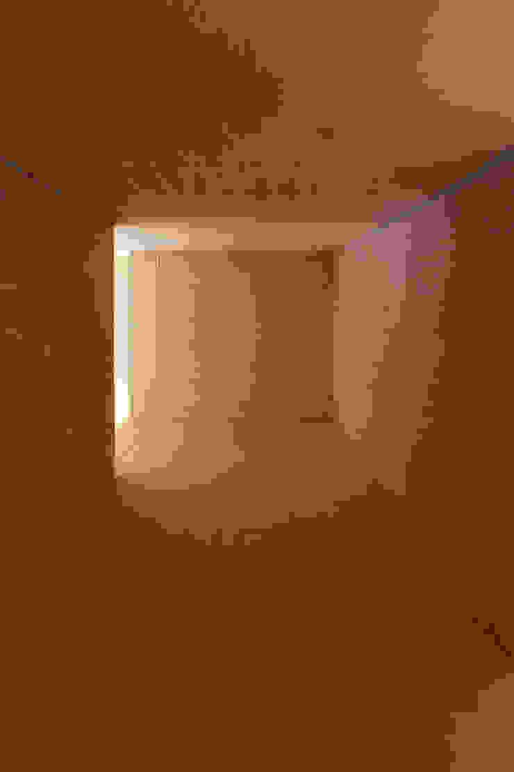 筒 モダンデザインの 多目的室 の 一級建築士事務所 Atelier Casa モダン