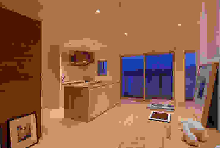 素足がきもちいい家 オリジナルデザインの キッチン の Style is Still Living ,inc. オリジナル