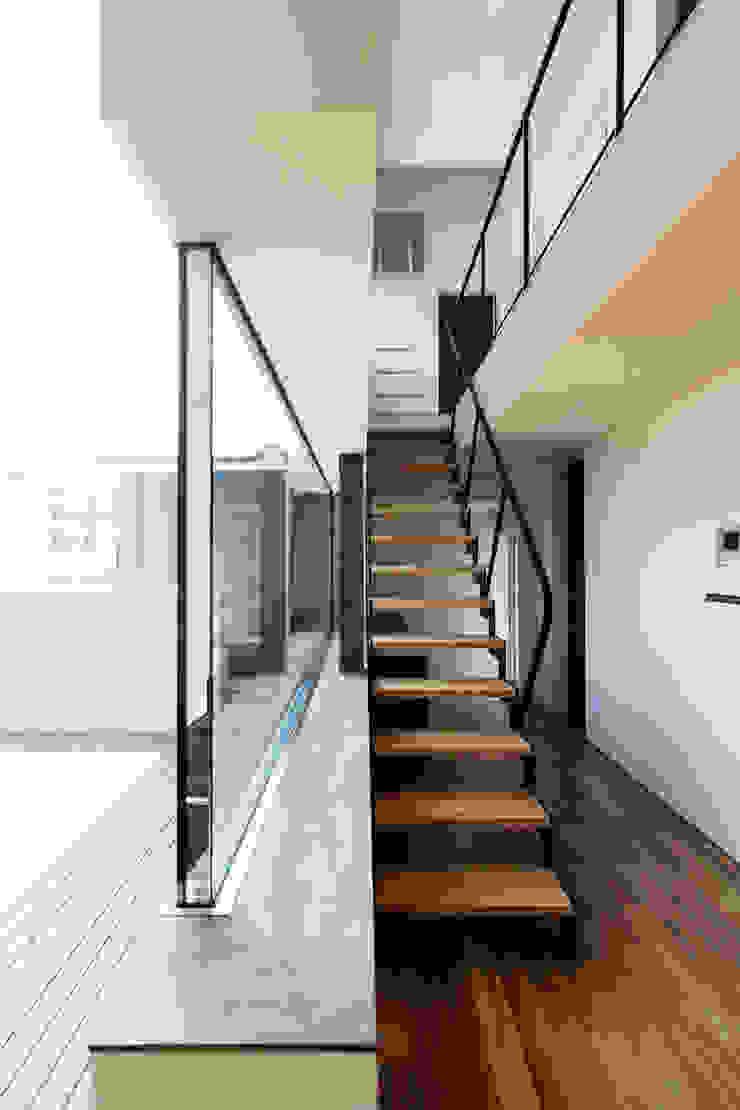 造作サッシとホール モダンスタイルの 玄関&廊下&階段 の 一級建築士事務所 Atelier Casa モダン