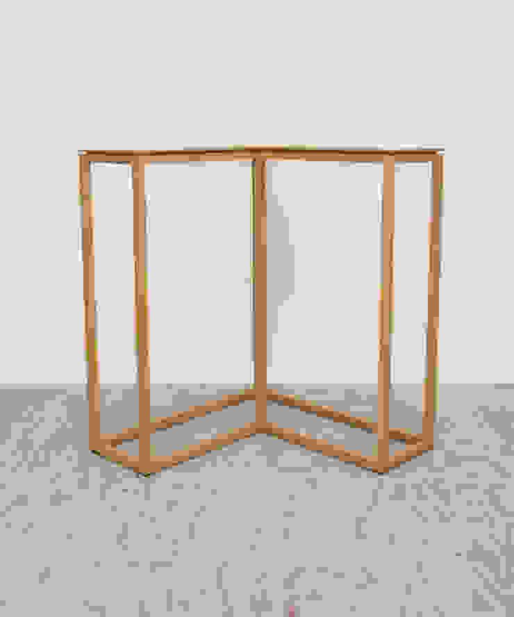 Open hoektafeltje: modern  door meubelmakerij mertens, Modern