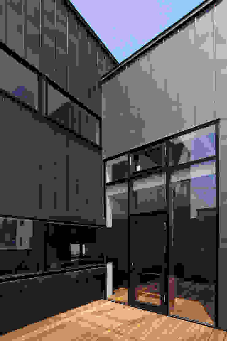 センターコート モダンデザインの テラス の 一級建築士事務所 Atelier Casa モダン