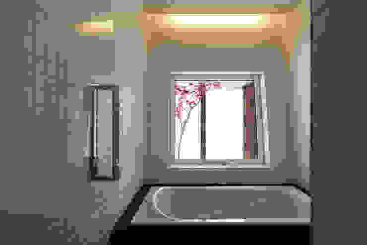 造作風呂 モダンスタイルの お風呂 の 一級建築士事務所 Atelier Casa モダン
