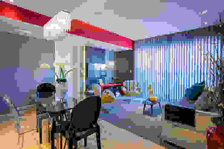 Living contemporâneo por Lo. interiores Moderno