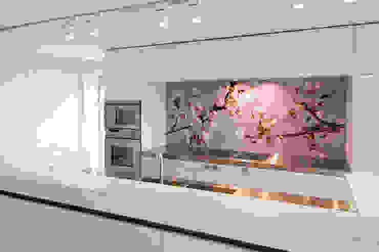 """Keuken achterwand """"Blossom"""" op Pimp Superior materiaal Moderne keukens van PimpYourKitchen Modern"""