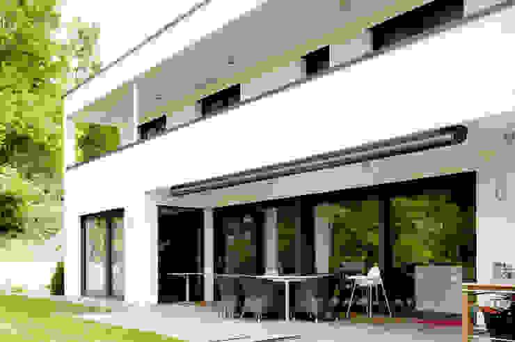 Nowoczesne domy od Ingenieurbüro für Planung und Projektmanagement Hangs Nowoczesny