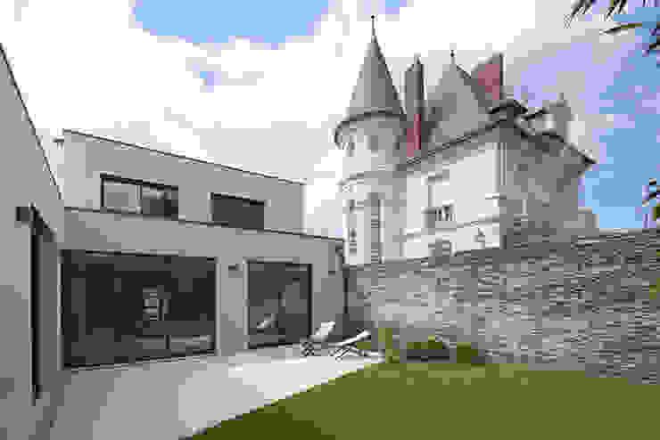 Maison M. G Balcon, Veranda & Terrasse minimalistes par Studio SD Minimaliste