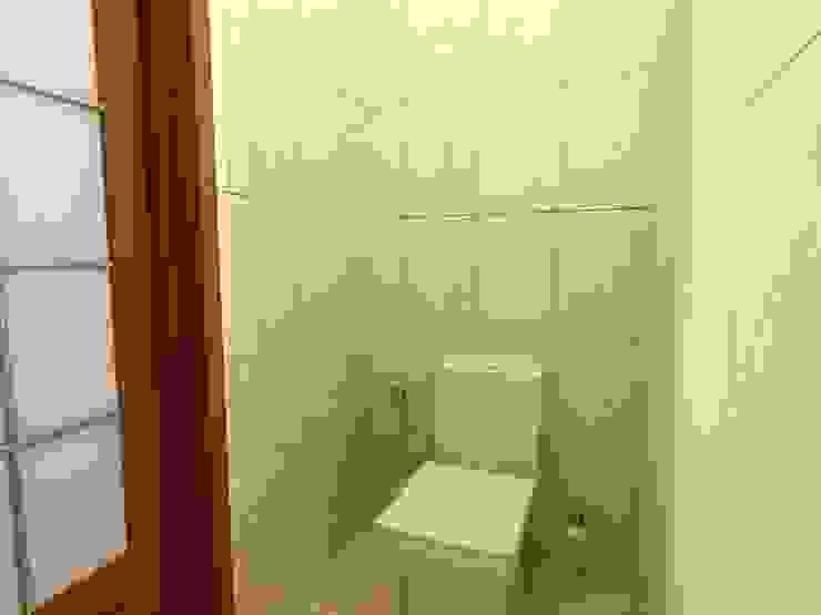 3-х комнатная квартира 112.60m² Ванная в классическом стиле от PLANiUM Классический