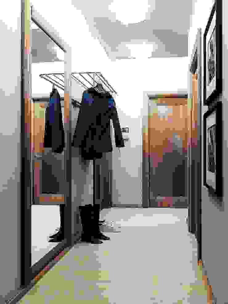 2-х комнатная квартира 54.10m² Коридор, прихожая и лестница в классическом стиле от PLANiUM Классический
