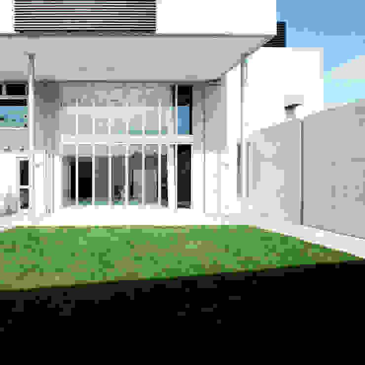 Jardines modernos de 有限会社クリエデザイン/CRÉER DESIGN Ltd. Moderno